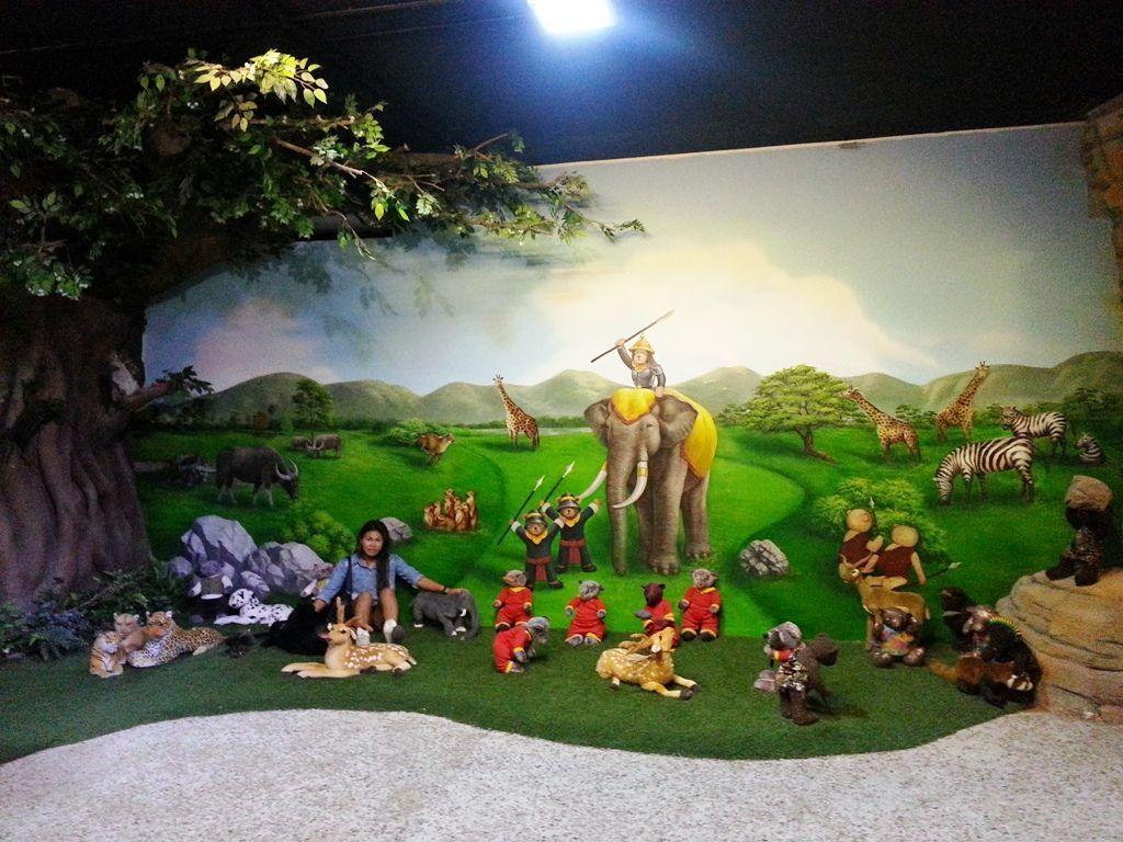 Teddy Bear Museum Pattaya Thailand picnic scene